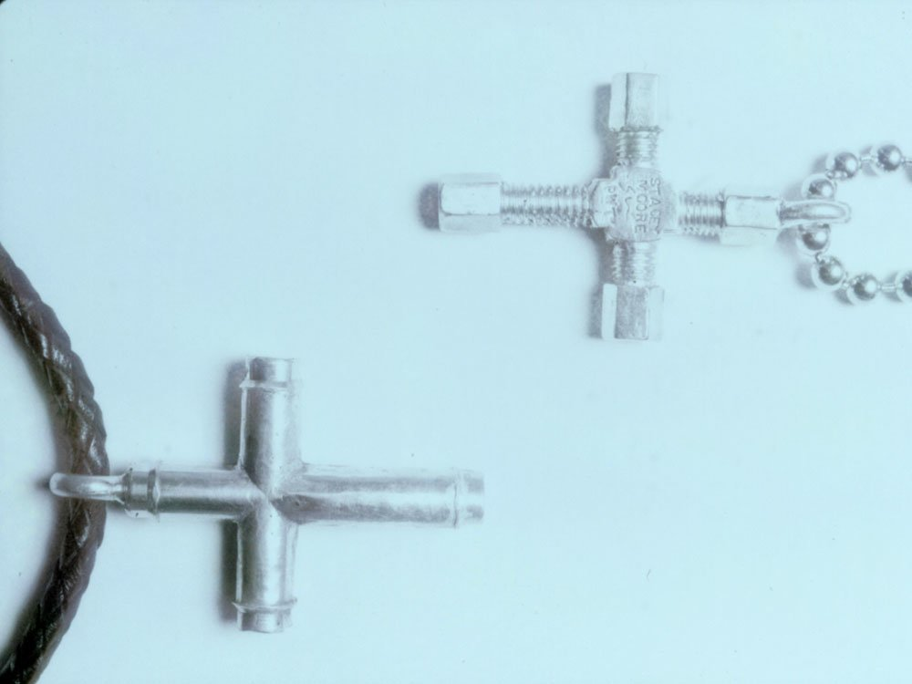 Valve Cross and Bolt Cross