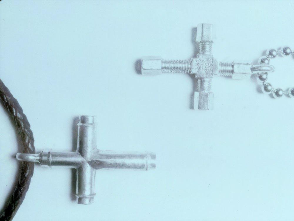 Valve Cross and Bolt Cross